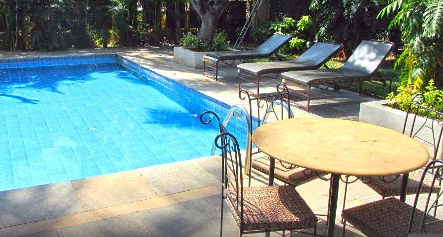 1607330941_855434-Banyan-Tree-Courtyard2.jpg