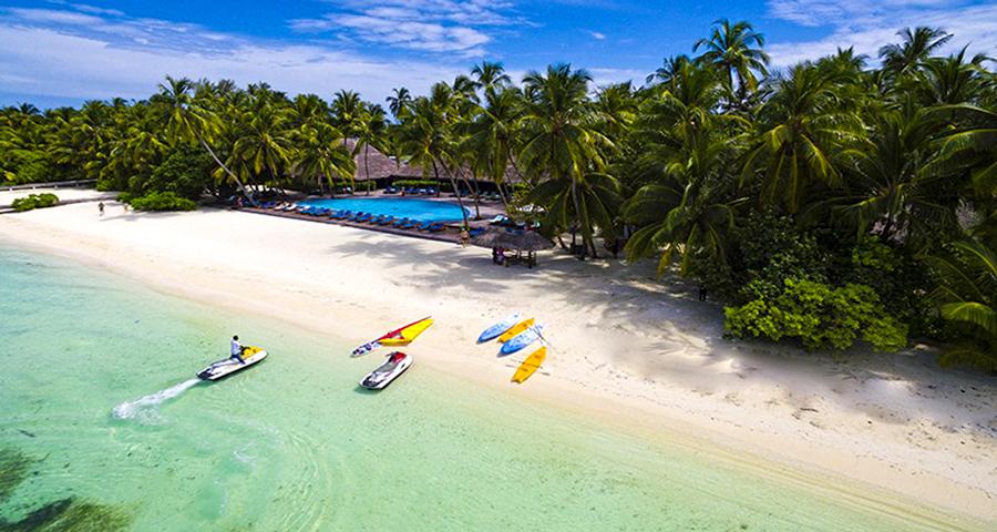 1609834149_116923-Medhufushi-island-Resort-water-villa2.jpg