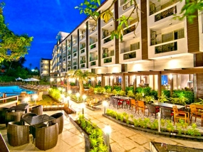 Nagoa Grande Resort  (4 Nights )